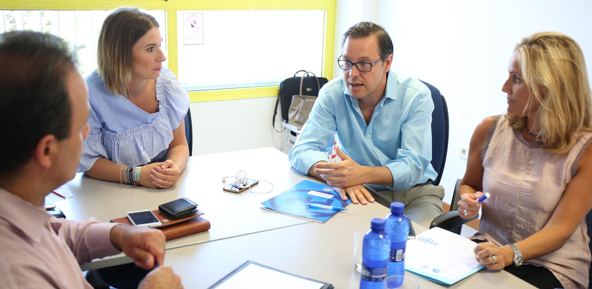 Equipo Ampastta, Asociación Madrileña de Pacientes con Síndrome de Tourette y Trastornos Asociados. Reunidos en Rivas-Vaciamadrid